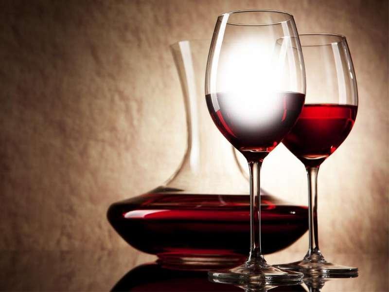 Carafer le vin - Caviste Le Pouliguen